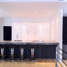 Contemporary Kitchen by urbanescape inc