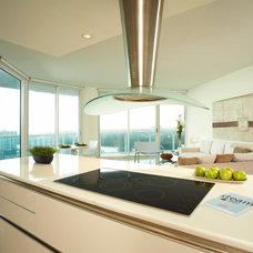 Modern Kitchen by Korn Interior Design, Inc.