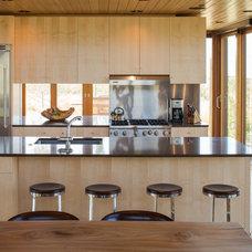 Modern Kitchen by Teton Heritage Builders