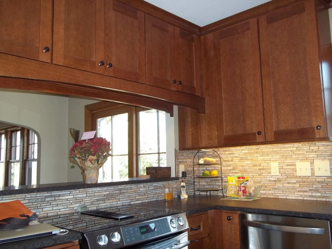 Traditional Kitchen by Ideal Design & Cabinetry