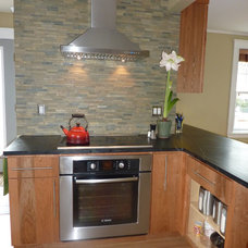Traditional Kitchen by Custom Contracting, Inc.