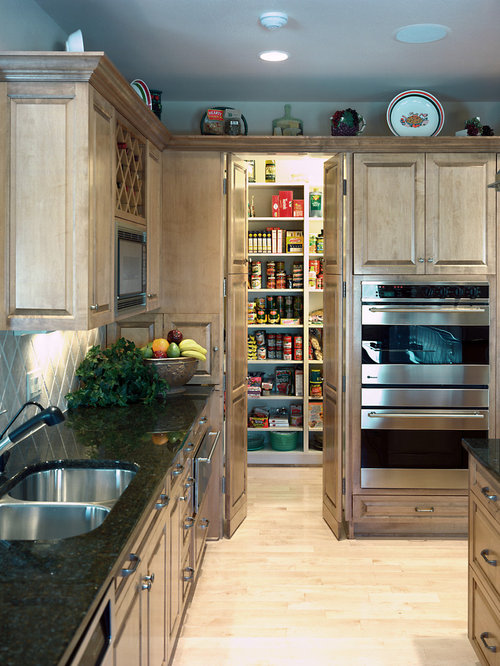 Walk in pantry houzz for Walk in pantry