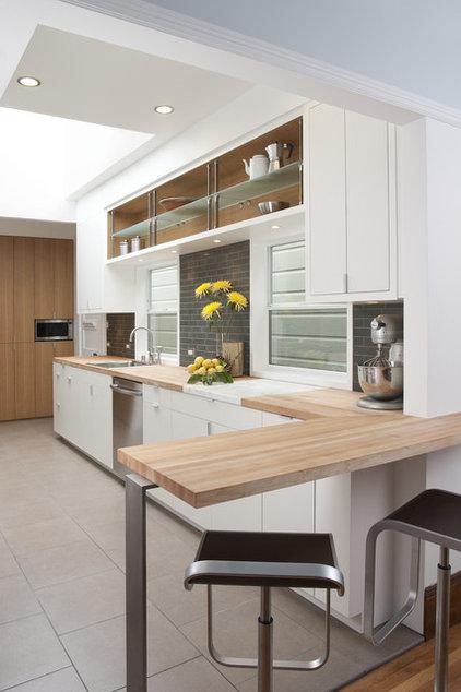 Modern Kitchen by atelier KS