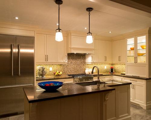 cuisine avec une cr dence orange et une cr dence en carreau de verre photos et id es d co de. Black Bedroom Furniture Sets. Home Design Ideas