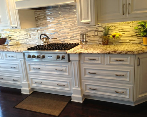 Traditional Kitchen Design Ideas Renovations Photos With A Breakfast Bar