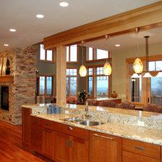 Traditional Kitchen by MQ Architecture & Design, LLC