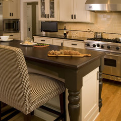 traditional kitchen by Kayron Brewer, CKD, CBD / Studio K B
