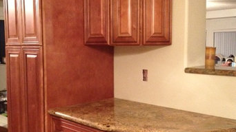 Mocha Maple Cabinet with Colombo Gold Granite