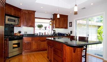 Mocha Maple Glazed Kitchen Cabinets