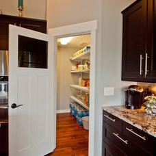 Craftsman Kitchen by H2O Homes, Inc