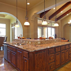 Mediterranean Kitchen by SILVERTON CUSTOM HOMES