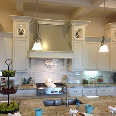 Traditional Kitchen by Elements of Design