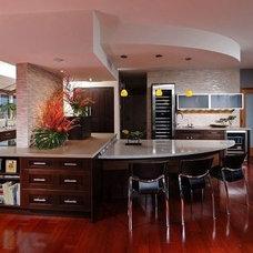 Modern Kitchen by Hawaii Kitchen & Bath