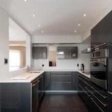 Modern Kitchen by Acco Kitchen and Bath