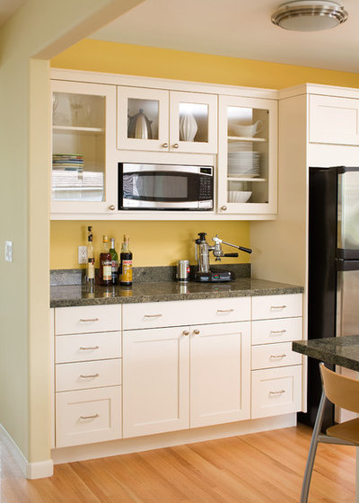 Contemporary Kitchen by MN Builders
