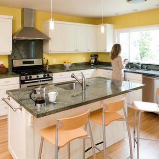 Contemporary Kitchen Designs   Trendy Kitchen Photo In San Francisco With  White Cabinets And Green Countertops