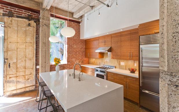 Contemporary Kitchen by AlterECO,inc