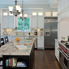 Craftsman Kitchen by Beaconstreet Builders, Inc.