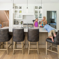 Beach Style Kitchen by Andrea Swan - Swan Architecture