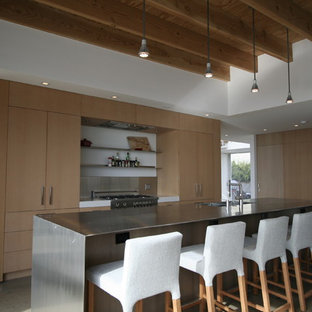 Modern kitchen photos - Inspiration for a modern kitchen remodel in San Diego with an integrated sink