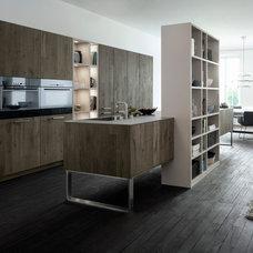 Modern Kitchen by LEICHT New York / LEICHT Westchester