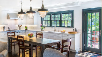 Modern Colonial Kitchen in Westchester County