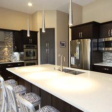 Modern Kitchen by Fresh Floor, Kitchen & Bath