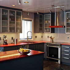 Contemporary Kitchen by Ceanesse Kitchens Ltd.