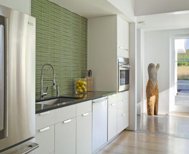 Lantlig Kök by TruexCullins Architecture + Interior Design