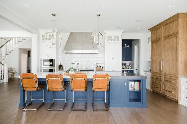 Coastal Kitchen by DESIGN 4 CORNERS