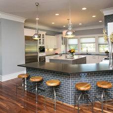 Modern Kitchen by Kitchen & Bath Cottage