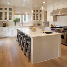 Farmhouse Kitchen by Modern Organic Interiors