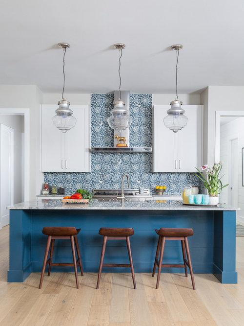Küchen mit Rückwand aus Zementfliesen und Schrankfronten im Shaker ...
