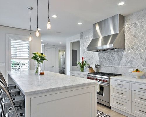 Example Of A Country Kitchen Design In Austin With A Farmhouse Sink Shaker Cabinets