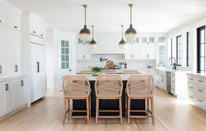 Kitchen of the Week: Modern Farmhouse Style With Dual Islands