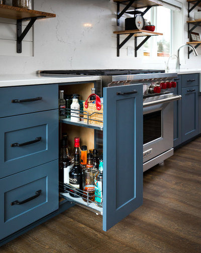 Farmhouse Kitchen by Rockwood Cabinetry