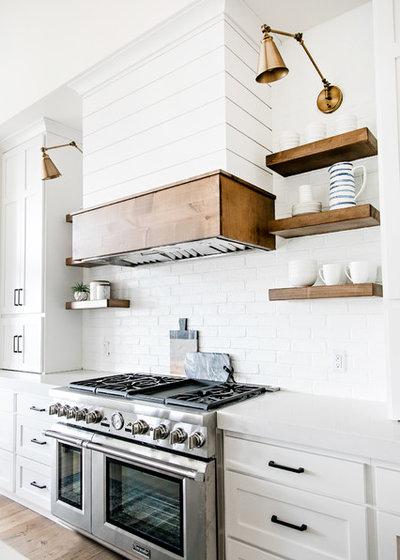Country Kitchen by Sita Montgomery Interiors