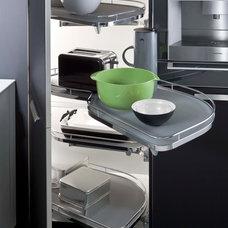 Modern Kitchen by LEICHT HAUS