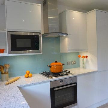 modern gloss white integrated kitchen