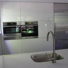 Modern Kitchen by Reico Kitchen & Bath