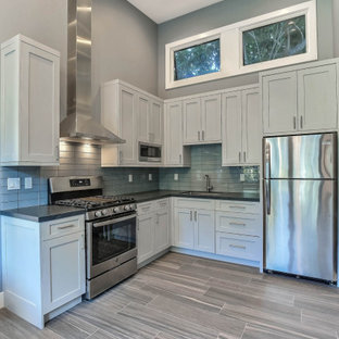 75 Beautiful Small Modern Kitchen Pictures Ideas October 2020 Houzz