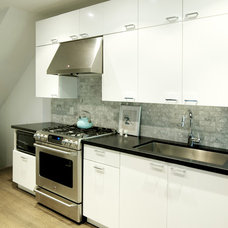 Contemporary Kitchen by Croma Express Kitchens