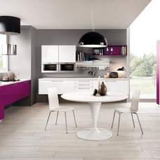 Modern Kitchen by Exclusive Home Interiors