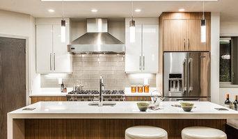 Modern Kirkland home kitchen