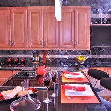 Modern Kitchen by Ainsley Design & Concept