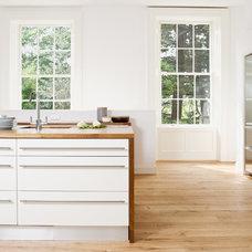 Modern Kitchen by Andrew Ryan