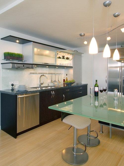 Kitchen bamboo floor houzz for Kitchen cabinets hawaii