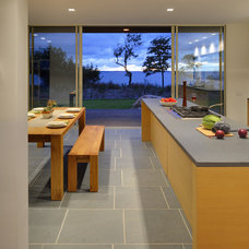 Modern Kitchen by Bates Masi Architects LLC