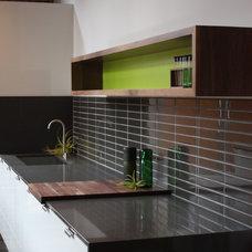 Modern Kitchen by bright designlab