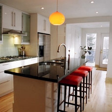 Modern Kitchen by Bryant Renovations